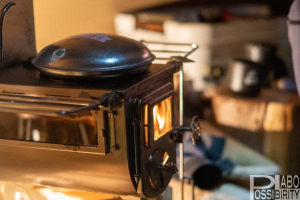 初心者,冬キャンプ,キャンプ用品,防寒対策,必須,必要,雪中キャンプ,便利,初めて,経験者,テンマクデザインウッドストーブサイドヴュー薪ストーブトタン製湯たんぽ