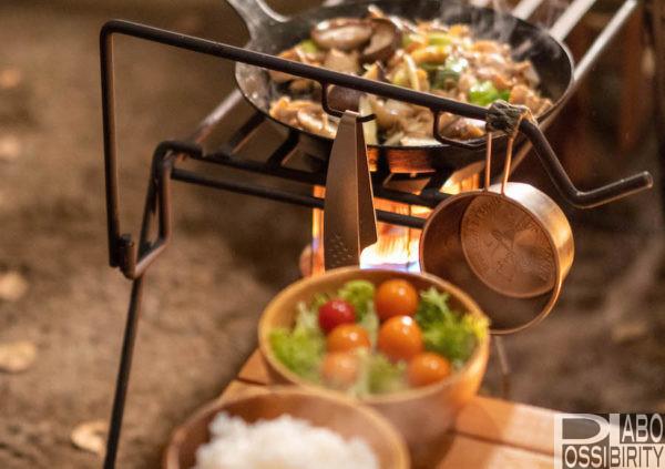 シェラカップ,キャンプ,キャンプ飯,調理,料理,おすすめ,人気,チタン,ステンレス,蓋,限定デザイン,選び方,重さ,軽量