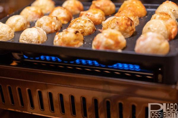 アウトドア,キャンプ,たこ焼き,たこ焼き器,プレート,簡単,アイテム,おすすめ,イワタニガスコンロ,炉ばた焼器炙りや,レシピ,アレンジ,具材,楽しみ方